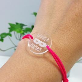 bracelet-medaille-gravee-acrylique-ronde-21mm-wonder-maman